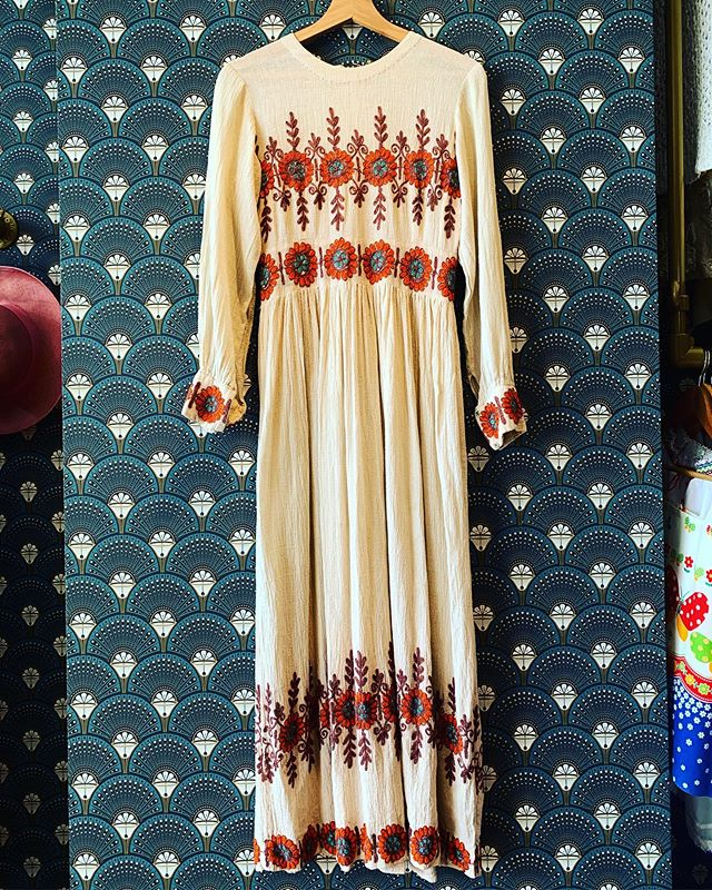Just in this cheesecloth maxi dress with embroidery detail won't hang around long. @broadwaymarket #retrouvevintage #sustainablefashion #vintagestyle