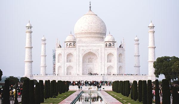 INDIA - Apostles Darrell & Lenora Buck
