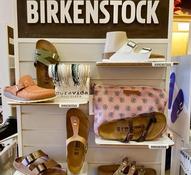 Join us this Saturday 5/18 for our huge spring Birkenstock Event 👉🏻👉🏻swipe for details! #shoelaceinc #algonquincommons #shoplocal #birkenstock #trunkshow #star105 #puravida