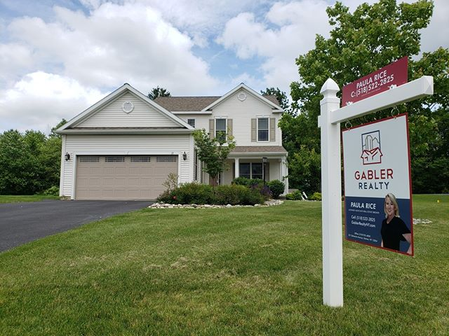 Sign Posts to Make Your Listing Stand Out!