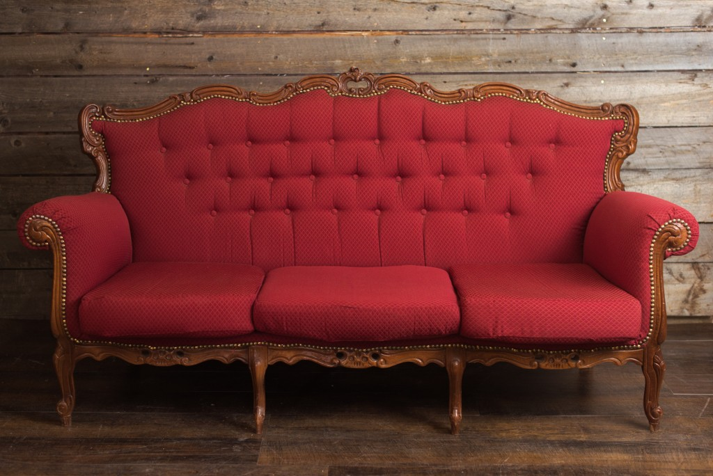 farmhouse Vintage rentals - Farmhouse Vintage Rentals is providing a cozy seating area for the Fibre Fest! Snag a spot to sit and chat, and bring your crafty tools or purchases with you. Time to relax! Be sure to also check out Sherrill at her booth - Hippy Strings is a vendor as well!