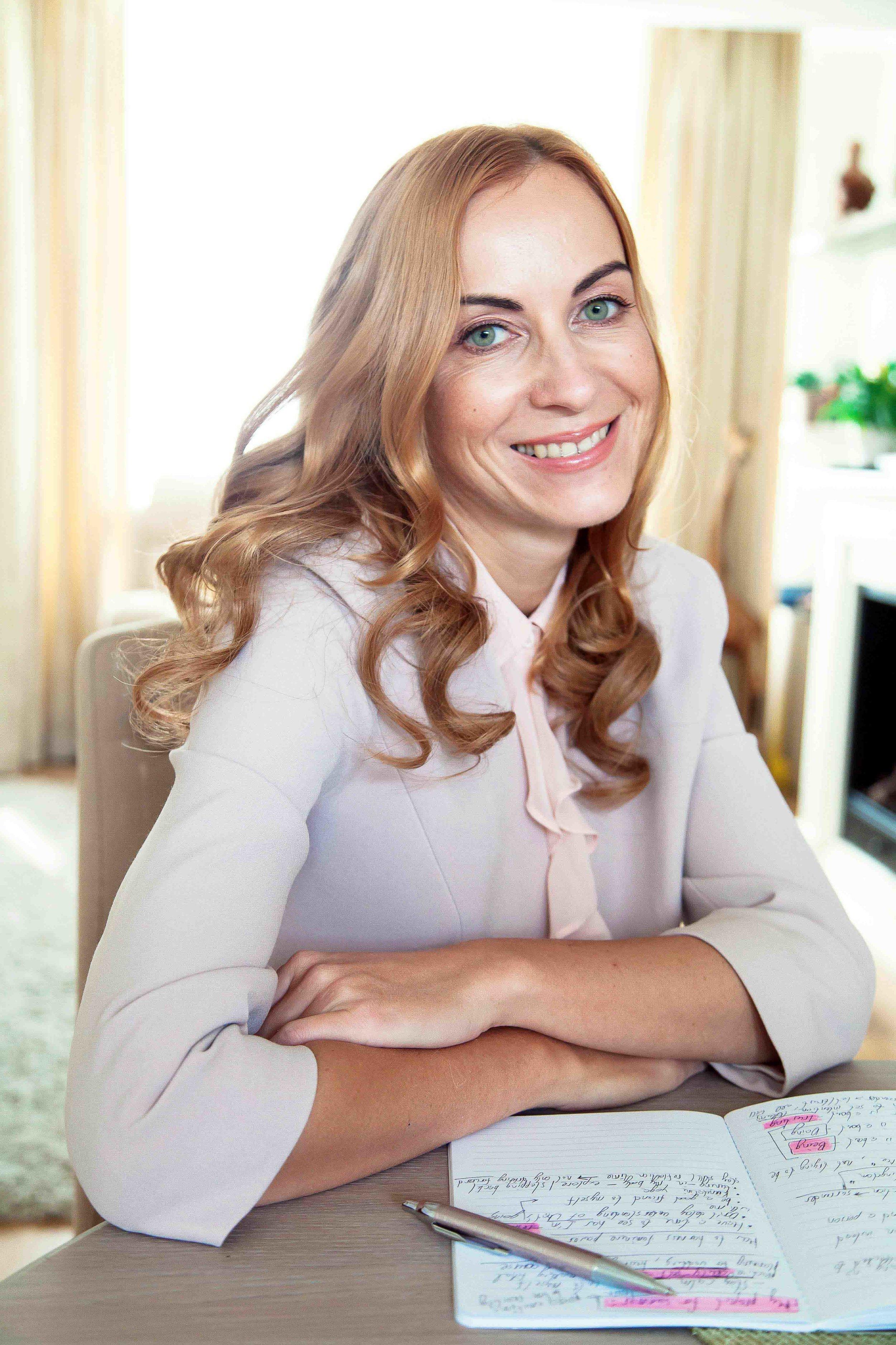 helping business women