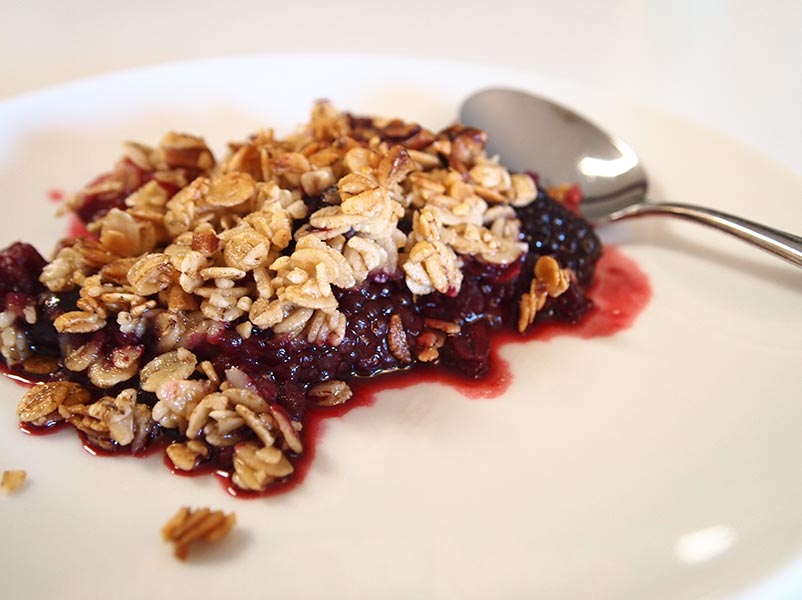 Last-Minute Berry Crumble -