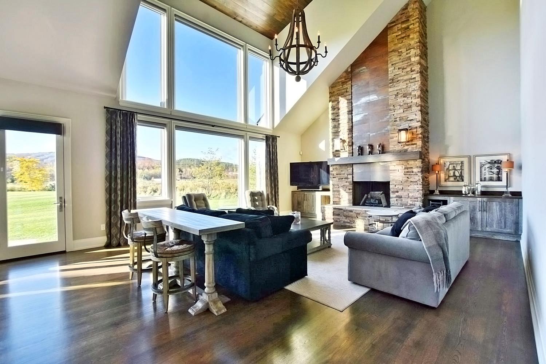 9-Meadowlark-Way-Collingwood-large-017-36-Great-Room-1500x1000-72dpi.jpg