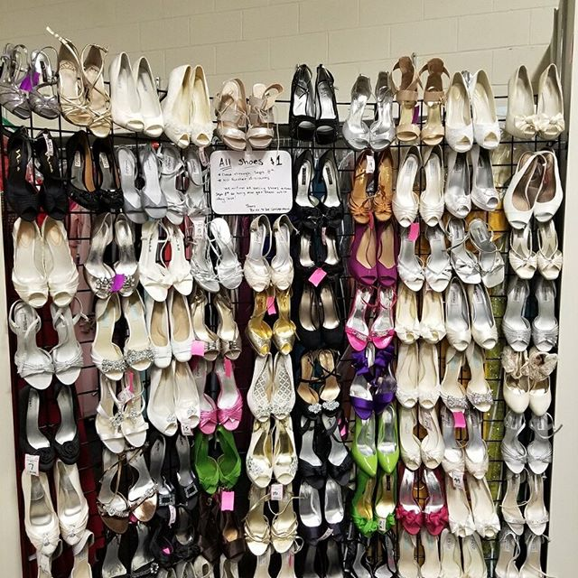$1 shoes! Come and grab it before it's gone!!! #bridetobe #bridetobesale #bridalshoes #shoes #bridetobewoodbury