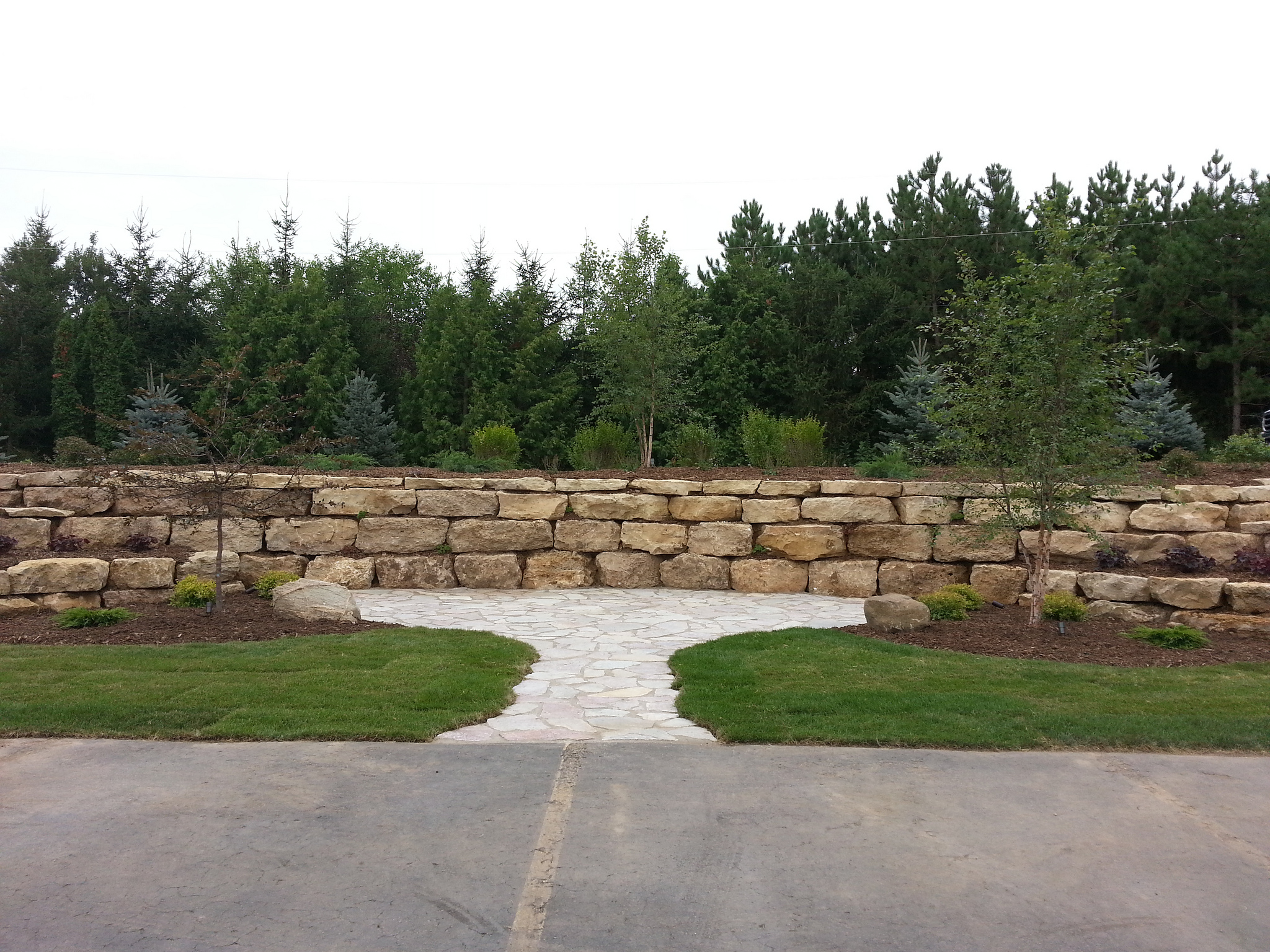 Landscaper with great retaining walls ideas in Madison WI