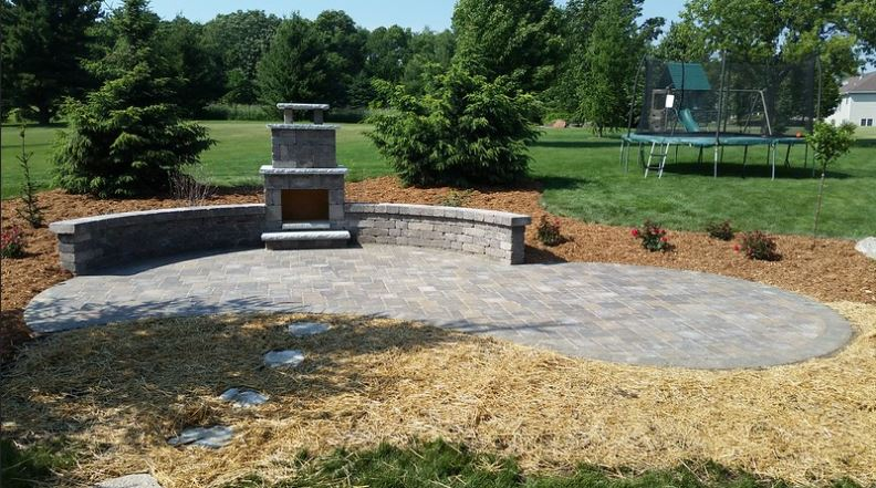 How a Retaining Wall Can Be Used as a Seating Area for Both Residential and Commercial Properties in Waunakee, WI