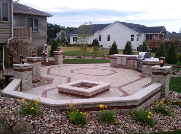 5 Types of Patio Materials Often Used in Sun Prairie, WI
