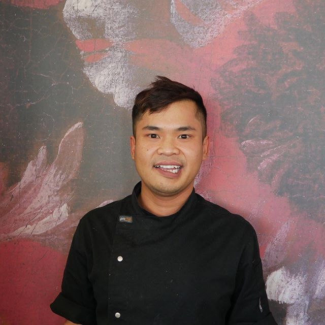 Meet our team 🌈 ⠀⠀⠀⠀⠀⠀⠀⠀⠀ Introducing our amazing Sous Chef, Champ. Champ has been working at Universo since it opened! He has always had a passion for food and has followed in his mother's footsteps of becoming a chef. Growing up in Thailand he remembers cooking with his mum at her street stool. Next time your dining with us for lunch be sure to check out Champs delicious Chicken Satay Skewers! The sauce is his mums recipe and it is to die for 🙌🏽 ⠀⠀⠀⠀⠀⠀⠀⠀⠀ ⠀⠀⠀⠀⠀⠀⠀⠀⠀ #universo #Christchurchrestaurant #chchartgallery #christchurchbar #nzfood #nzhospo #newzealandhospitality #chef #cheflife #souschef
