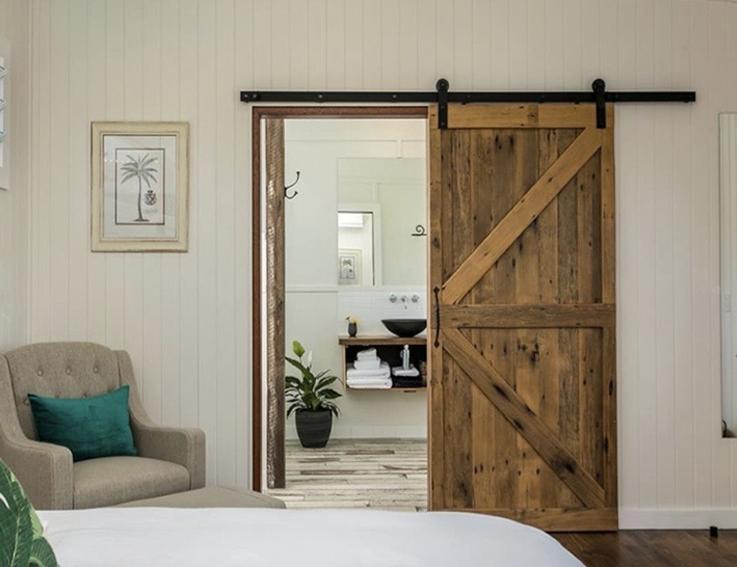 Coopers Shoot_Barn door.jpg