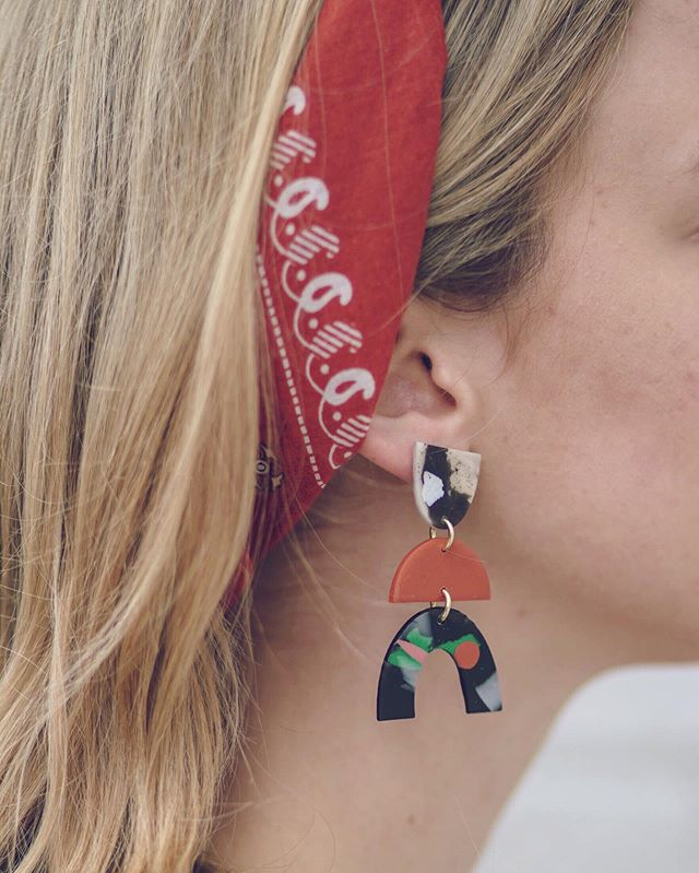 Say hello to these beauties by local maker, @ww_collective! Putting these earrings on is like putting on your confidence for the day. I've recently decided that statement earrings are kind of my thing—I love them for both work and play! ⠀ Earrings: @ww_collective Bandana: @tylerkingstonshop ⠀ #shoplocal #shopsmall #makeastatement #shopsmarter #wardrobeessentials #instagood #kcblogger #midwestblogger #fewerbetterthings #thatsdarling #whatiwore