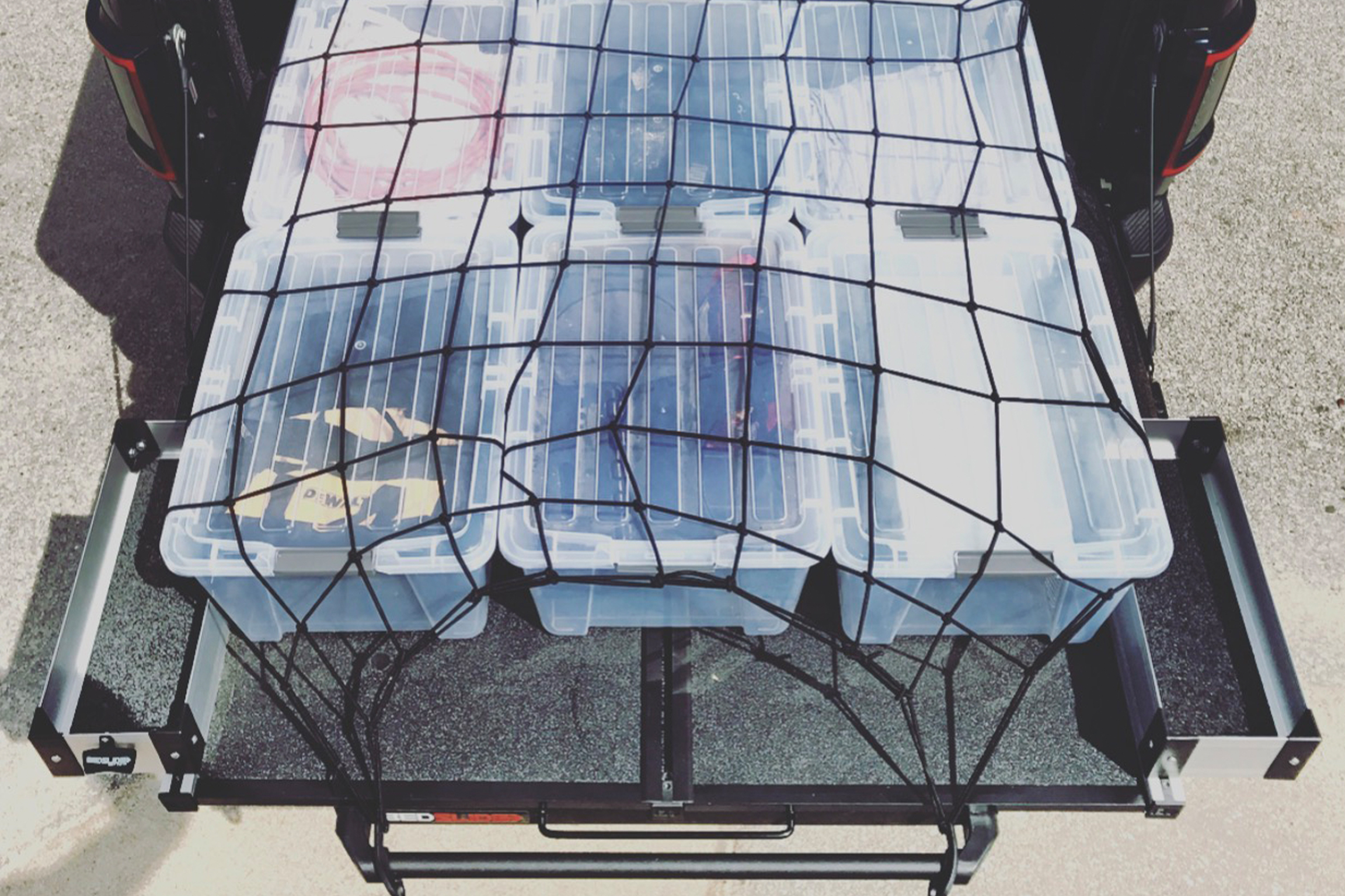 Secure gear on your BEDSLIDE with the Thule stretch net.!