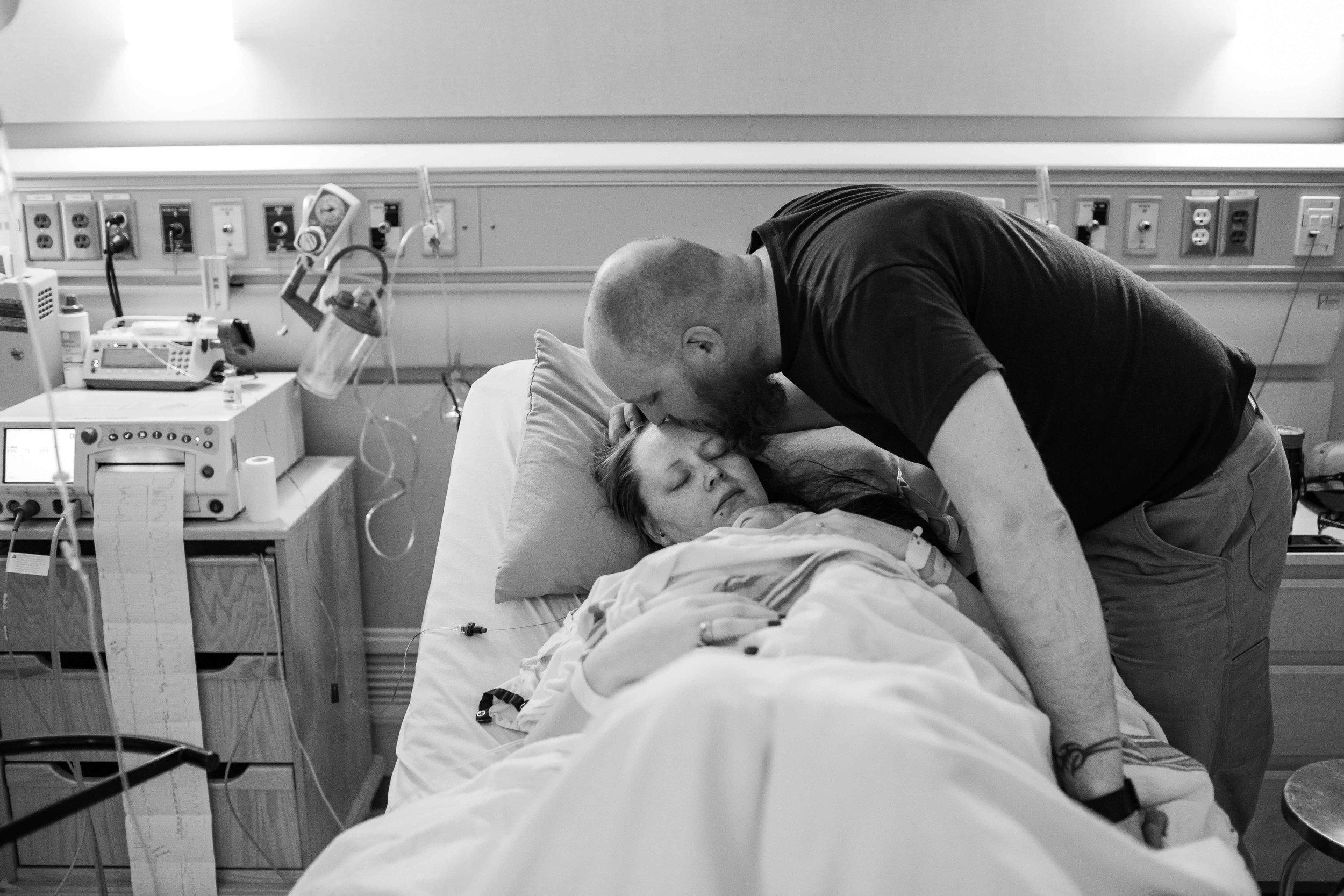edmonton birth photographer-27.jpg