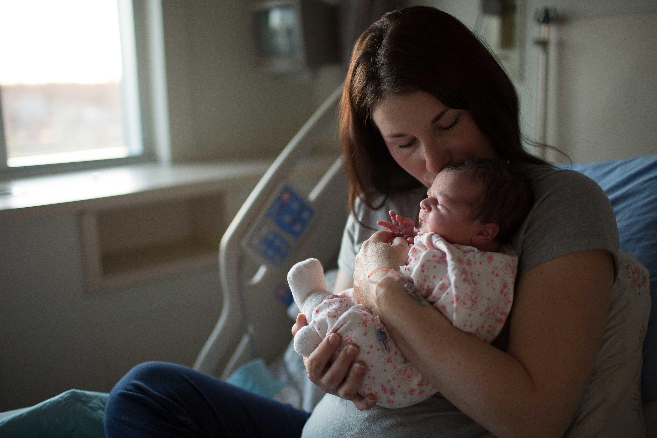 edmonton birth photographer-30.jpg