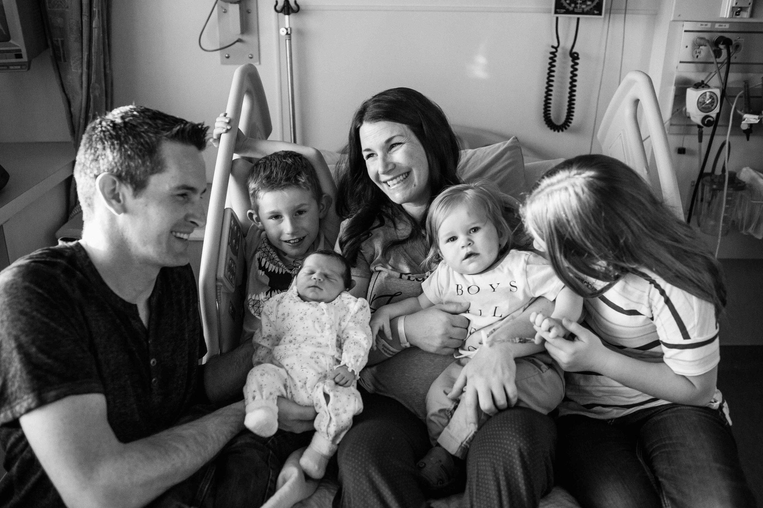 edmonton birth photographer-29.jpg