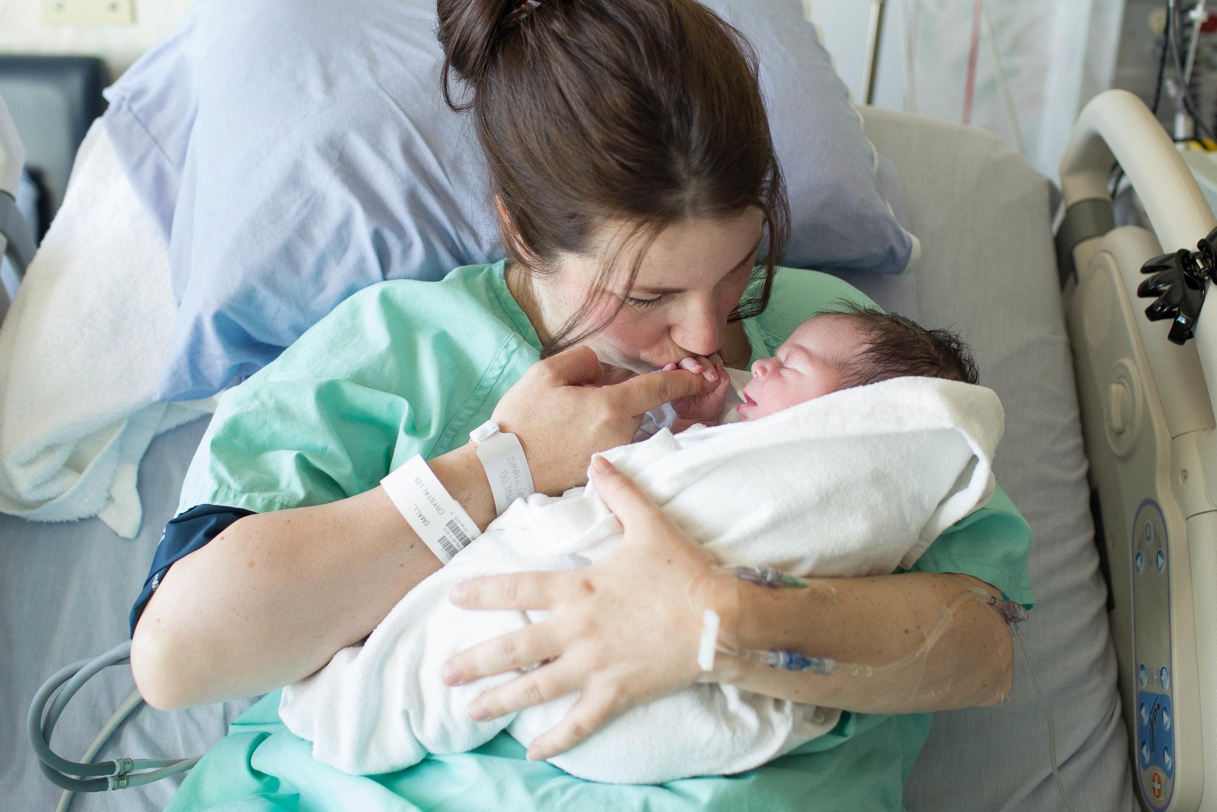 edmonton birth photographer-28.jpg