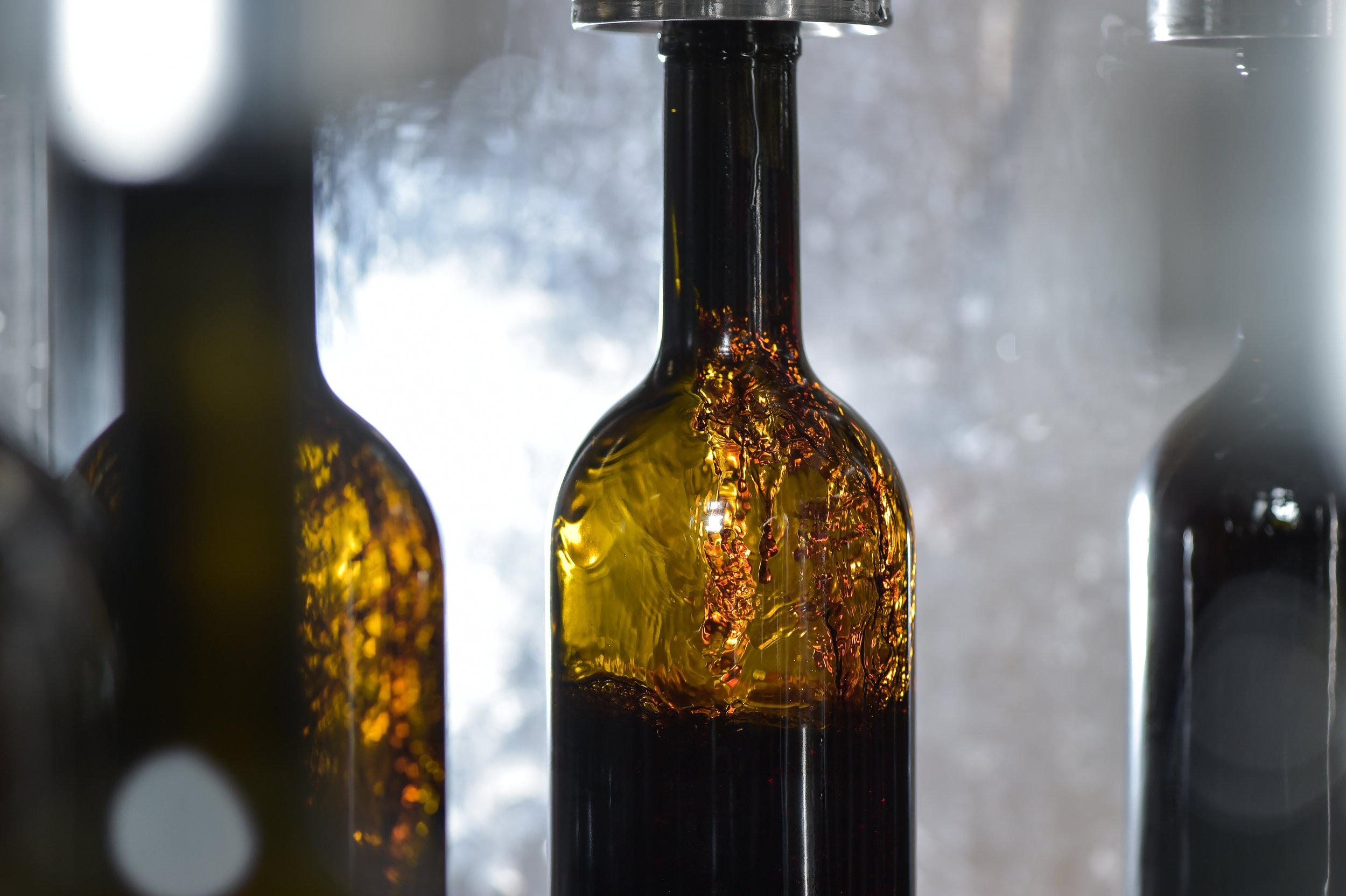 Wine bottling No.7.jpg