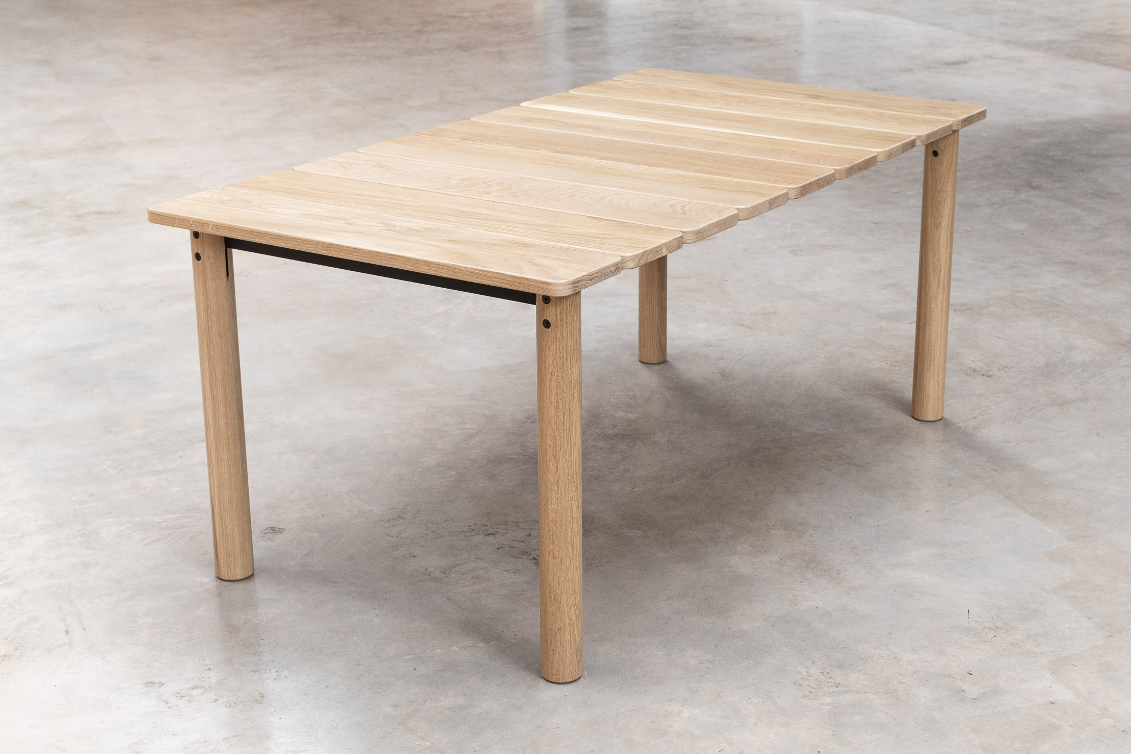 Domestic Style - Inspired by the humble farmhouse table, solid oak provides warmth and familiarity, echoing the same sentiments found within the home. Whilst materials used in the construction ensure the table's ability to handle everyday wear and tear.