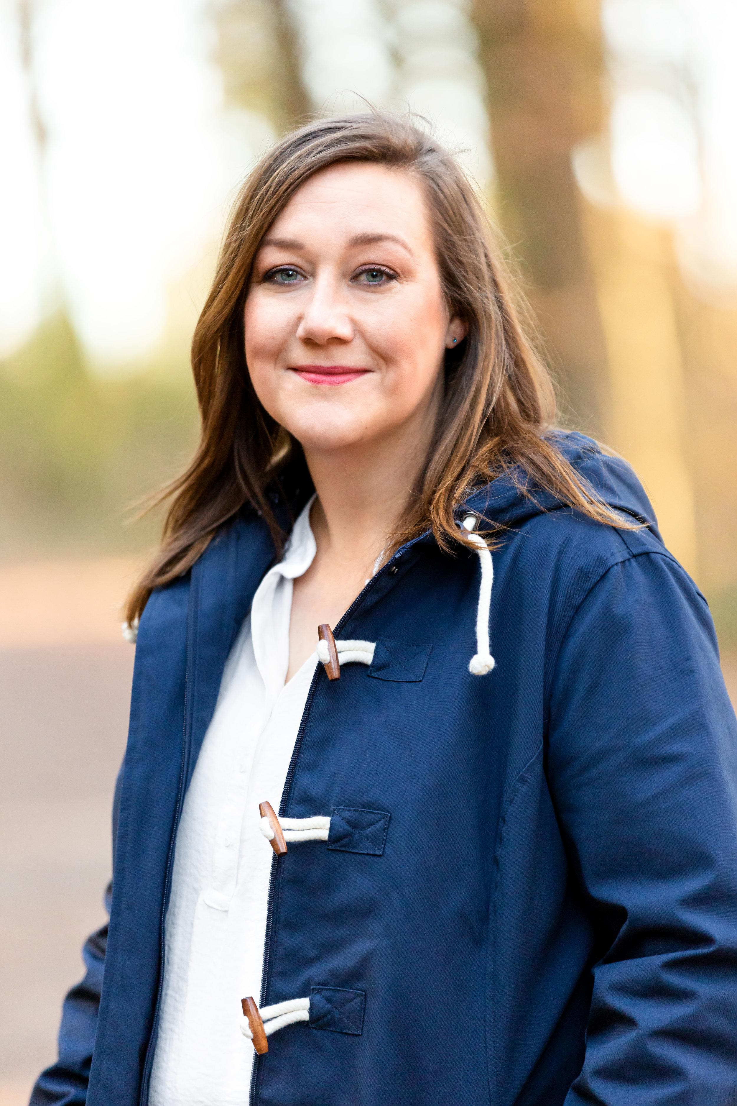 Ich bin Stephanie Stratton, freie Texterin für Unternehmen mit Herz und Hirn. Meine Lieblingsthemen: Camping, Outdoor, Hund und Persönlichkeitsentwicklung. Ich freue mich, von dir zu lesen!