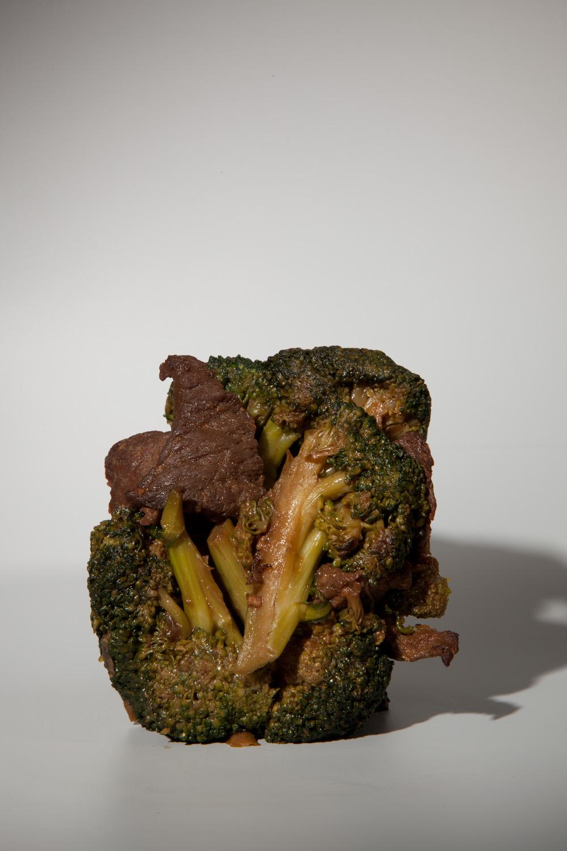"Beef and Broccoli #2, 10""x15"", Archival Inkjet Print, 2011.  芥蘭牛二號,25x38公分,無酸微噴藝術紙,2011。"