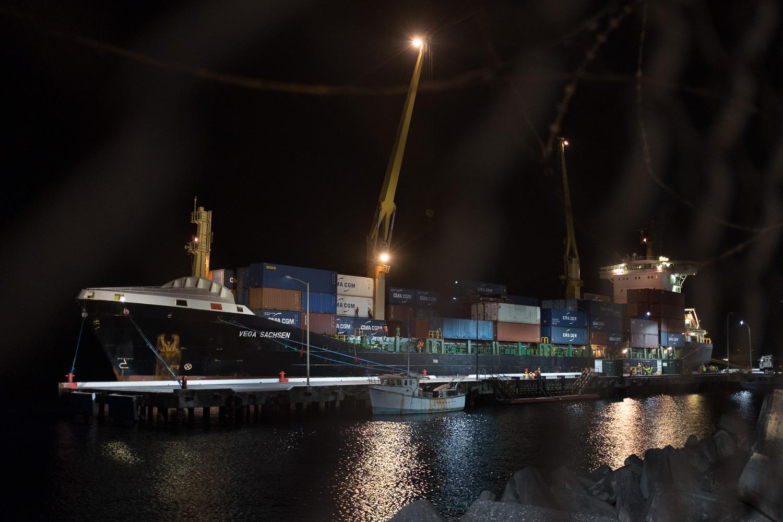 DockWorker-2.jpg