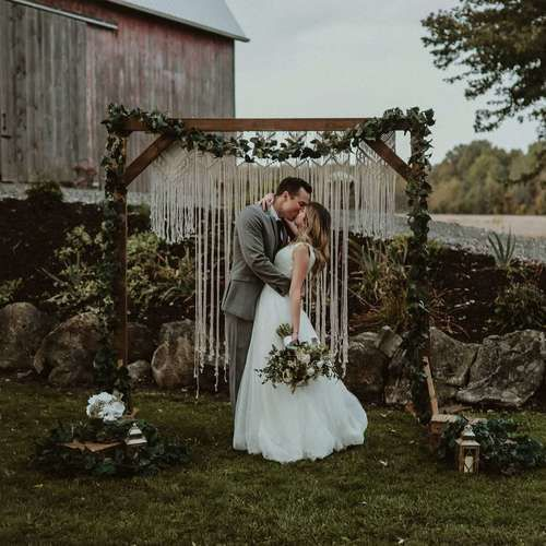 Boutique Linen Rentals - Jessica Sanchez, owner of Boutique Linen Rentals, weighs in on wedding coordinators and some tips to finding a rental company for your big day!Image by Moon and Marble