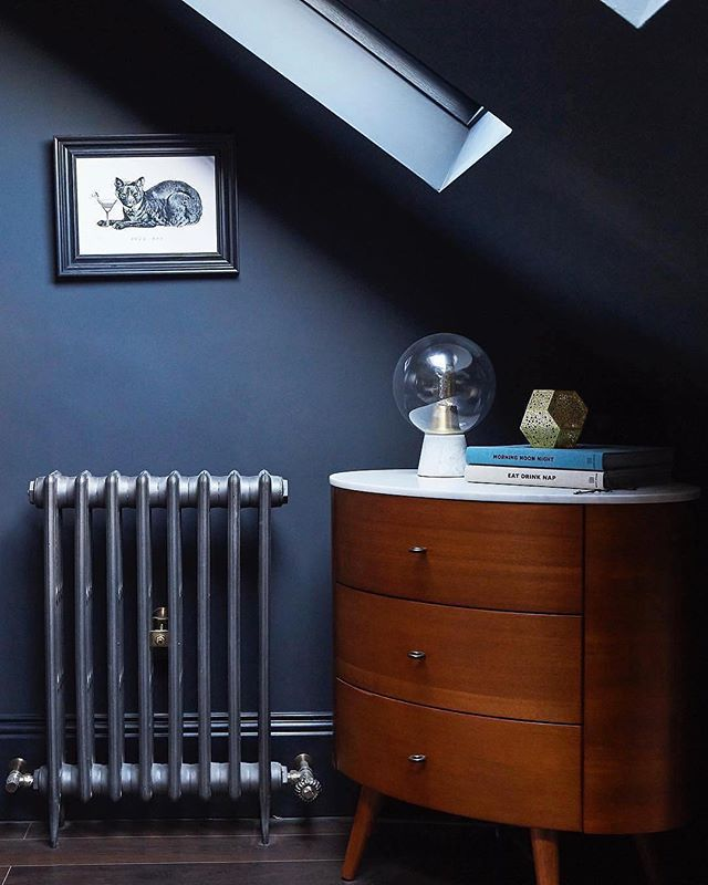 So many clients asking about darker, dramatic colours...love this ... - Using one colour on both walls and woodwork generates a sense of calm in a room, as well as exaggerating its size, as there are no contrasts to draw the eye. This beautiful bedroom is a perfect example of this, using 'Railings' @ farrowandball to create a dark, intimate space. . . . #interiordecorating #propainter #paintinganddecorating #interiors #decor #ihavethisthingwithcolour . . . . 📷 by houselust brookeharwoodstudios