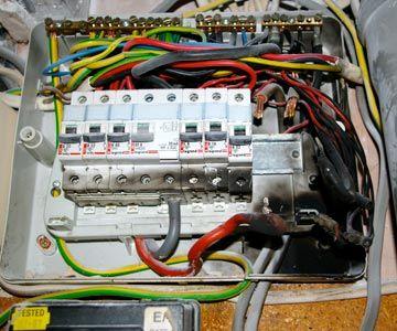 electrical_fuseboard_fire_01.jpg