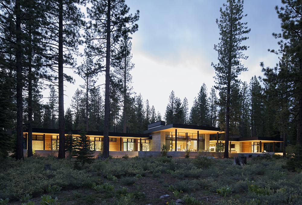 Architect: Shay Zak Architecture  Contractor: Vineyard Custom Homes  Photographer: Matthew Millman