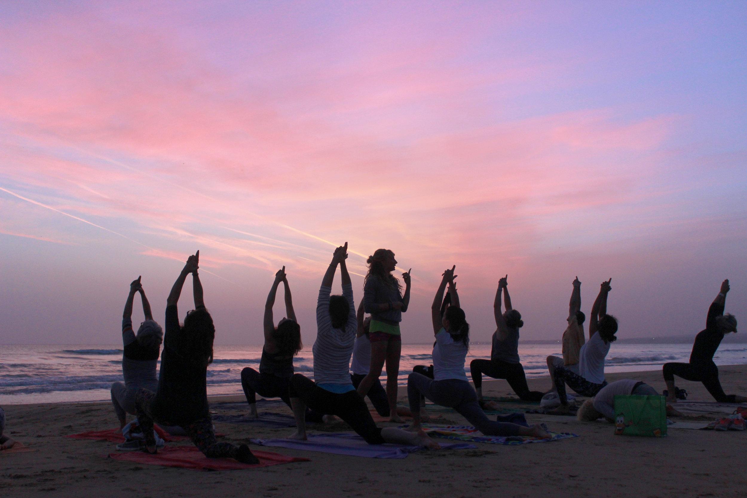 yoga_sillouethe2.jpg