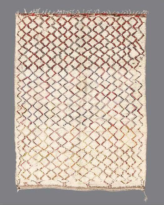 """BO_172  BENI OUARAIN, MIDDLE ATLAS MOUNTAINS, MOROCCO, 1970's  7'5"""" x 5'3"""""""