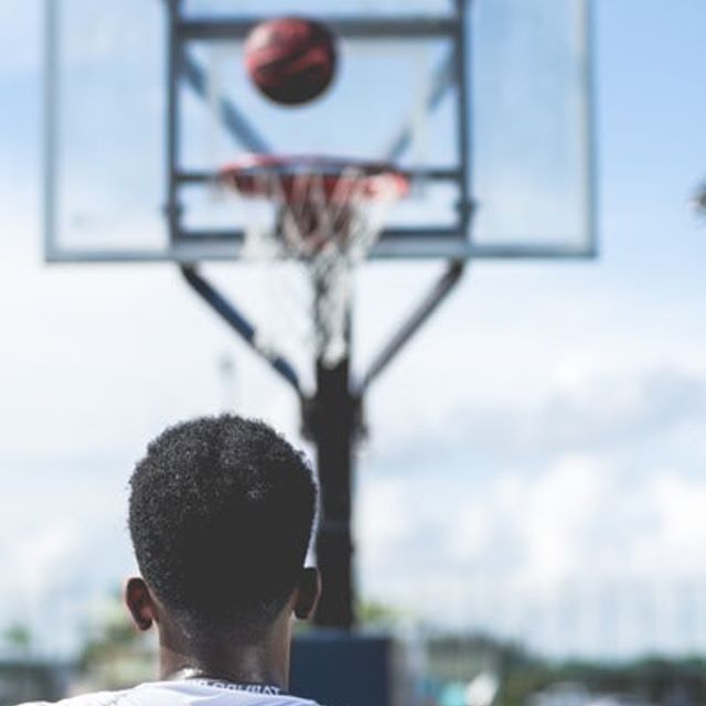 #MarchMadness might be coming to a close, but the fight against #COPD is not. It is estimated that more than 16 million people in the US don't know they have the disease.  Help us find one by talking to your loved ones.  #KIDS4COPD #NIH #NHLBI #learnmorebreathebetter... . . . . . . . #finalfour #wildcard #copdfoundation #copd360social #hoops #basketballdreams