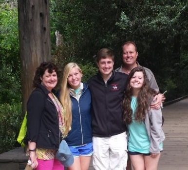 linda-swindling-family.jpg