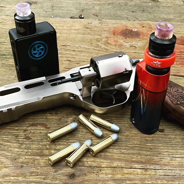 Who else likes to vape and shoot?  #vapedaily #driptip #instavape #vapes #vape #vapeporn #vapenation #vaper #vapers #vapeon #vapefam #vapelife #vapecommunity #vaping #vapingcommunity #vapingstyle #shooting #revolver #chiapparhino #guns #instagun #bullet #firearms #gunporn #gun #handgun #vapeandguns