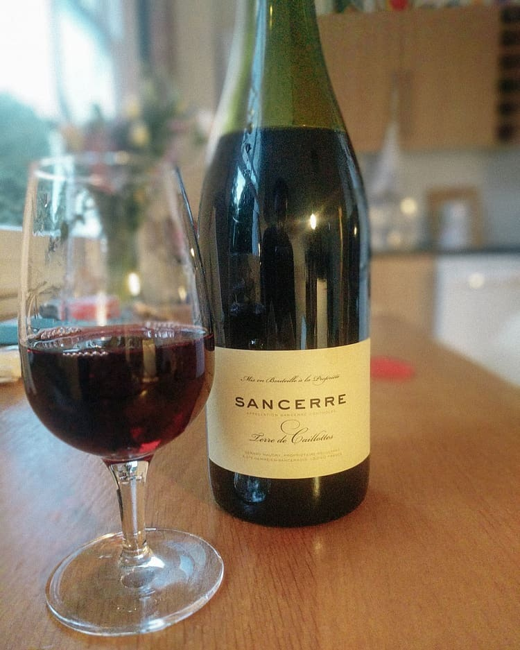 This was my first red Sancerre. White Sancerre was always one of those go-tos before I really knew much about wine, but I'd never had a red before.  This is a pinot noir, unfiltered with strong red fruits and black pepper spice in the background. It tasted way richer than I was expecting and proves there's surprise to have in every direction. Far more like Le Fou (the Rhone pinot noir I've had), than a Burgundy.  Producer: Domaine du Pre Semele Merchant: @wildandlees  #sancerre #sancerrerouge #pinotnoir #unfiltered #unfined #naturalwine #DomaineduPreSemele  #wineo #winegeek #winelife #instawine #winetime #winelover #winetasting #vino #wineporn #wineoclock #winestagram #vin #winecountry #sommelier #winery #wines #winelovers #vinho #vineyard #wine #wein