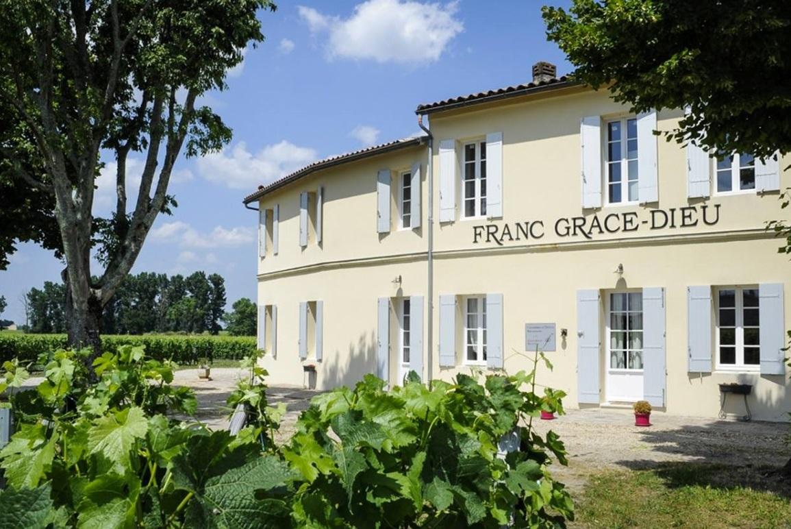 France_Franc Grace Dieu_chateau_v2.jpg
