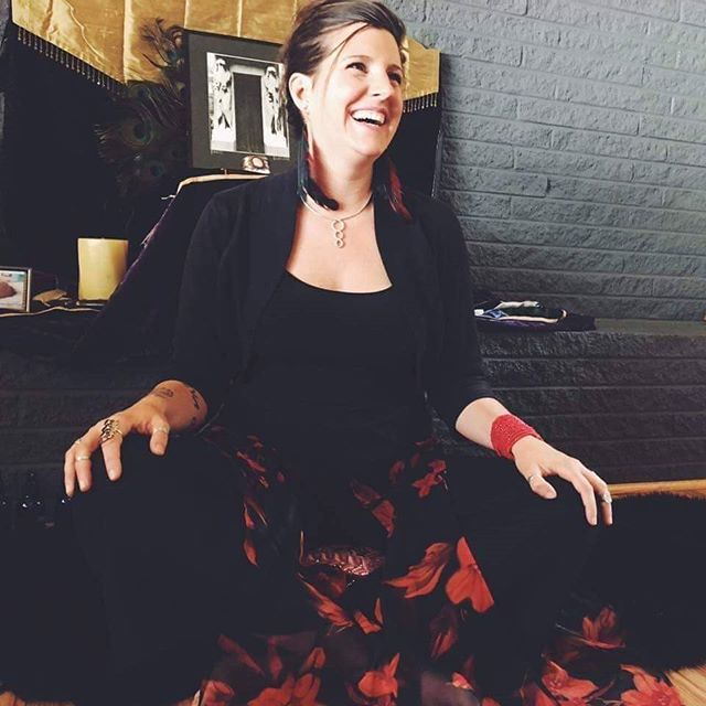 Introducing one of our breakout session presenters, Katy Ball, a licensed massage therapist and yoga instructor who was diagnosed with MS in 2015 after the birth of her second daughter. Katy took that news as an opportunity to deepen her studies of yoga, meditation, nutrition and structural body work and apply it in her life as tools to live strong in the face of MS. At the Symposium For Young Persons Impacted By MS, she will show how yoga and meditation can help bring the body into balance while living with MS. We can't wait, Katy!  Link in bio to register.