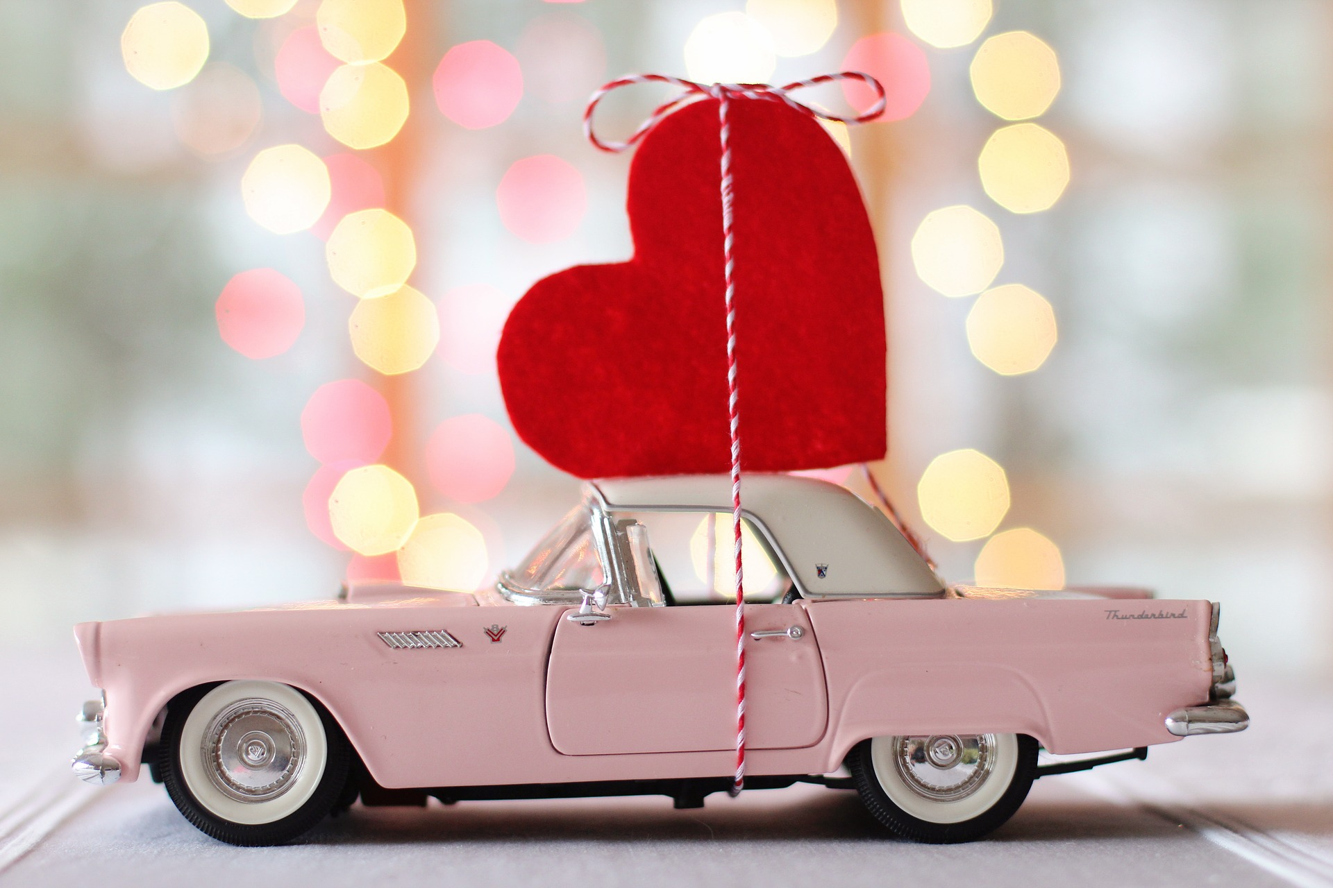 How-to-Use-Valentines-Day-in-Your-Content-Marketing.jpg