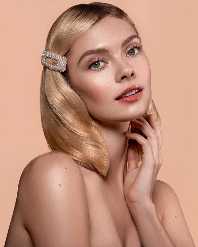 Simple beauty 🎀 Photo/MUA/Retouch | @jaybrans Model | @jordanstoneme Hair | @sarah.lovekm ✍🏼 Retouched using @retouchingpanels by @retouchingacademy 💄 Skin Prep | @SokoGlam Triple C Lightning Liquid + Neogen Serum Spray + @TouchInSolUS Water Cream Complexion | @TouchInSolUS Priming Water + Priming Essence + @Karity Concealer Palette + @TouchInSolUS Pretty Filter Dazzling Finish Powder Eyes | @TooFaced Just Peachy Mattes + @TooFaced Better Than Sex Mascara Brows | @ChellaBeauty Taupe Eyebrow Cream + @SoapBrows (by @WestBarnCo) Glow | @BeccaCosmetics Shimmering Skin Perfector in Moonstone Contour | @TooFaced Chocolate Soleil Matte Bronzer Lips | @RealHerMakeup Matte Lipstick in I Am Enough + @AppealCosmetics Holographic Lip Gloss Set | @TouchInSolUS Pretty Filter Setting Mist