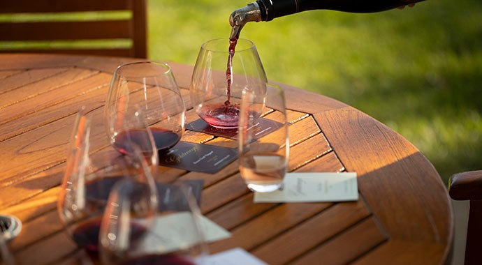 ge-home-wineclub-pour.jpg