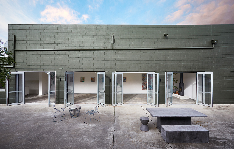 outdoor-courtyard-01-1500px.jpg