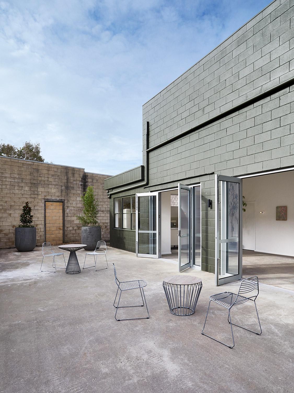 outdoor-courtyard-02-1500px.jpg