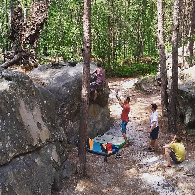 When there are so many routes to get excited about, you don't even know where to start... #forestfun #fontainebleau #boulderingbreaks