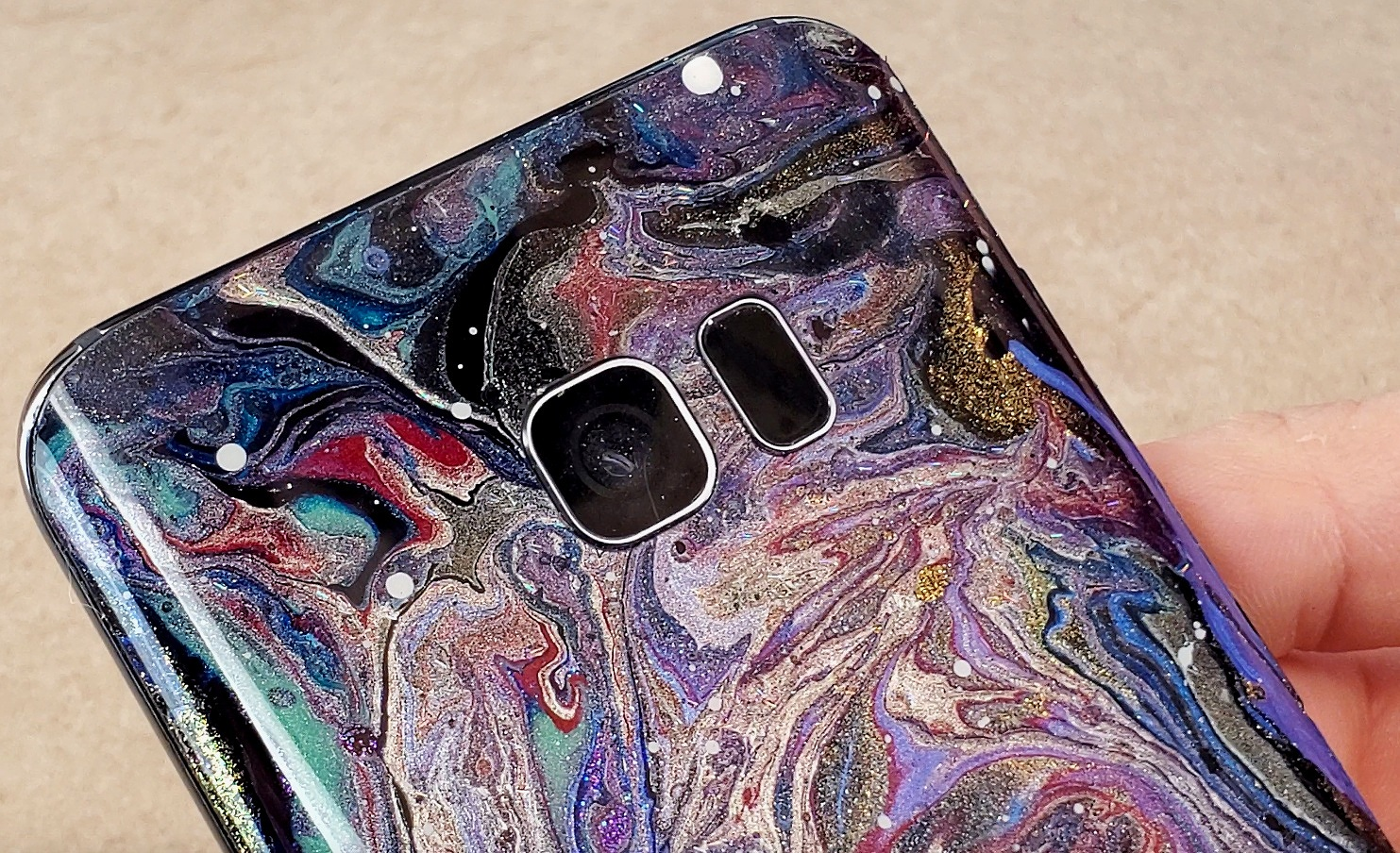 Xyla's steps for a galaxy inspired phone mod -