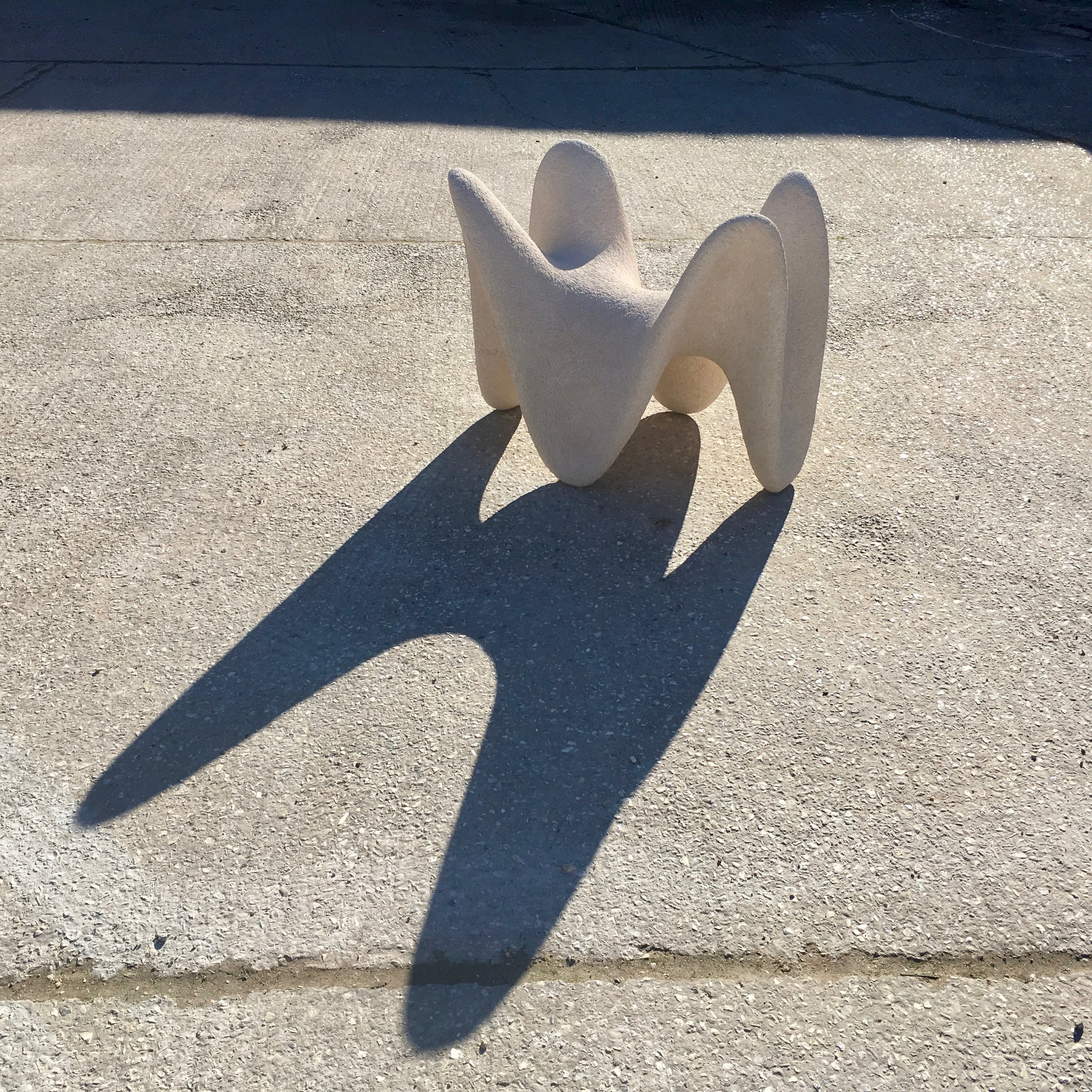 Curved Shadow Maker - Portland Stoneapprox 75 cm x 105 cm x65 cm