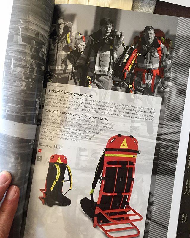"One of my photos of the #johanniter ""Team Germany"" ran full page in the new @paxbags catalogue. Yay! 🙃🙈 #simonsenphoto #paxbags #photography #paramedics #emt #rescue"