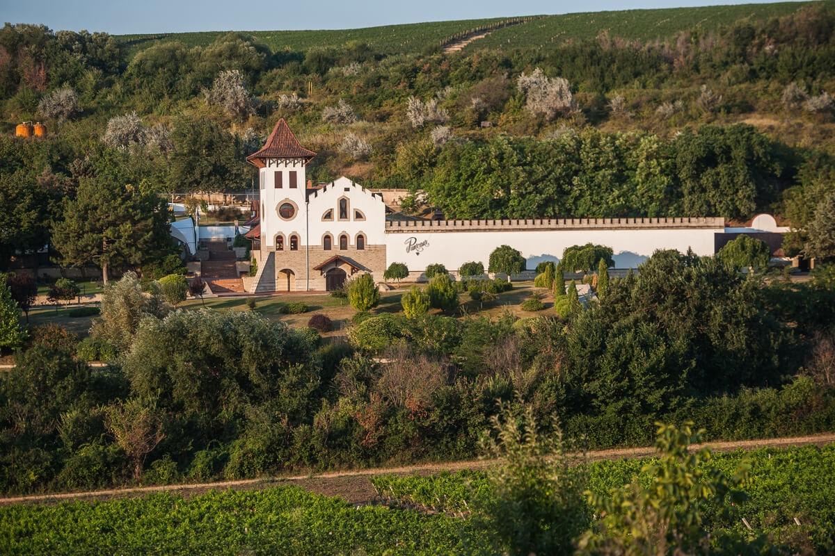 Chateau+Purcari+winery+2.jpg