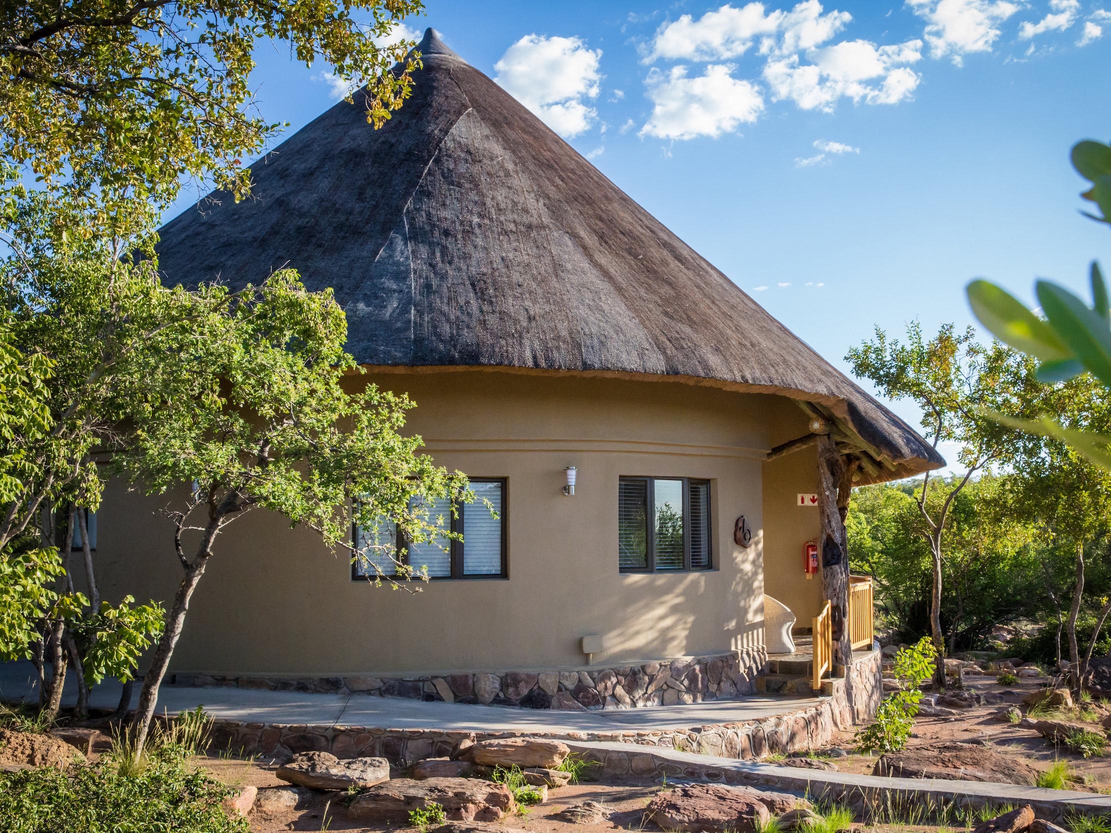 rhino+lodge+bungalow2.jpg