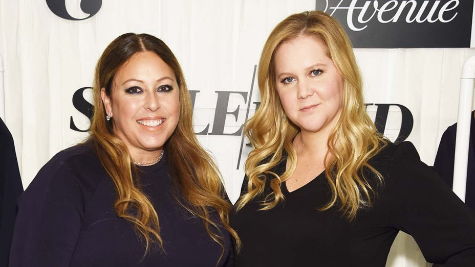 leesa_evans_and_amy_schumer-getty-h_2019.jpg