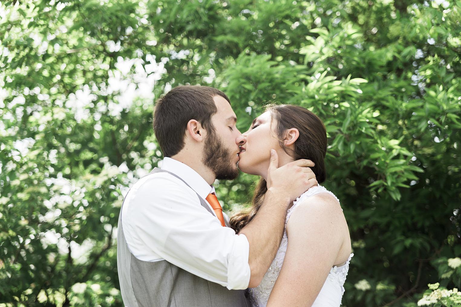 omaha-nebraska-intimate-wedding-photography